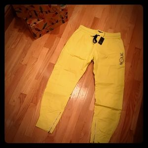 💛Nolac Tapered Athletic Chino (Highlighter) NWT💛